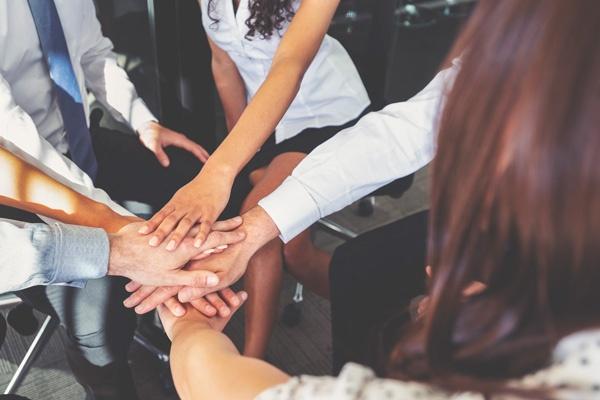 Membership-group-of-people-hands